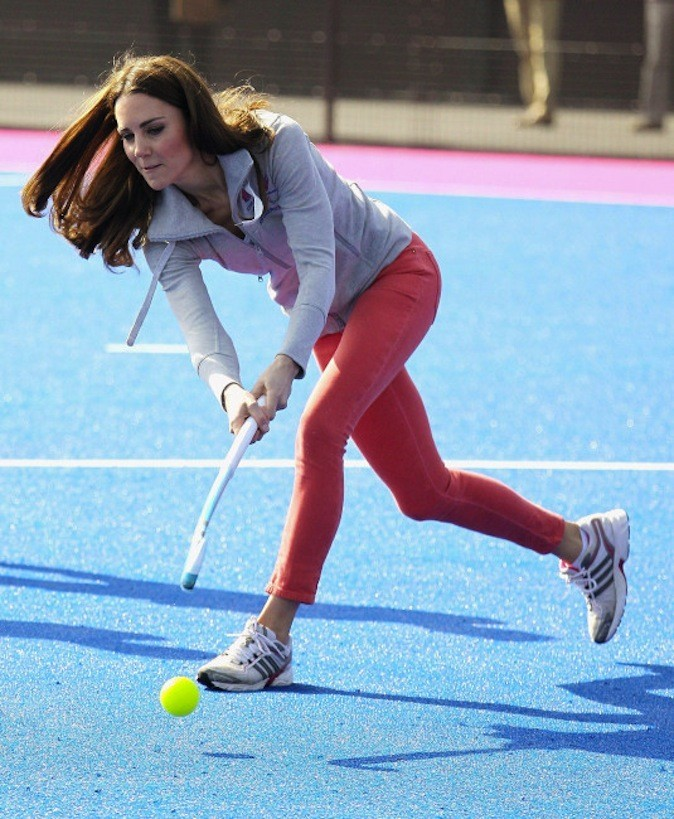 Kate joue au hockey