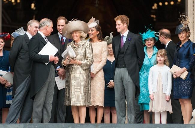 La famille royale d'Angleterre à la cathédrale St Paul, le 5 juin 2012.