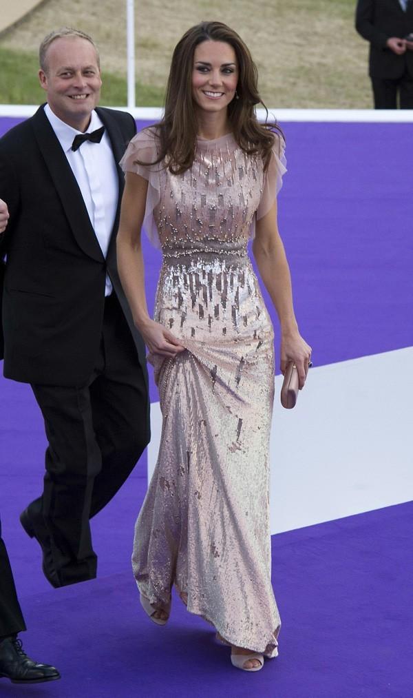 Kate illumine le tapis violet !