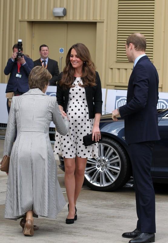 Kate Middleton et le prince William dans les studios Warner à Leavesden, le 26 avril 2013.
