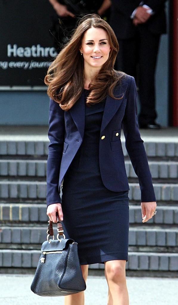 Kate Middleton, chic et rayonnante, pour s'envoler vers le Canada !