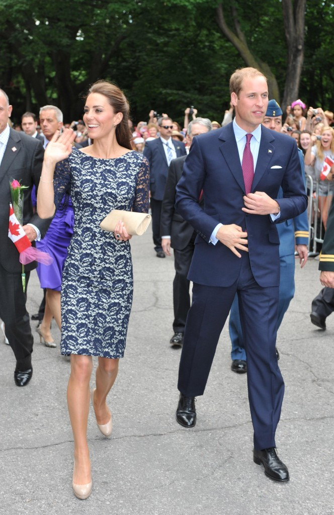 Bain de foule pour Kate Middleton et le prince William à Ottawa, le 30 juin 2011.
