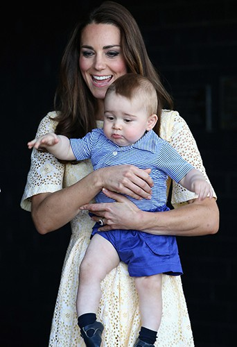 Kate Middleton et son petit George à Sydney le 20 avril 2014