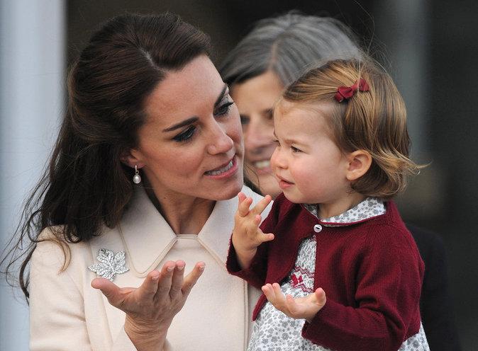 Kate Middleton et la princesse Charlotte à Victoria (Canada), le 1er octobre 2016