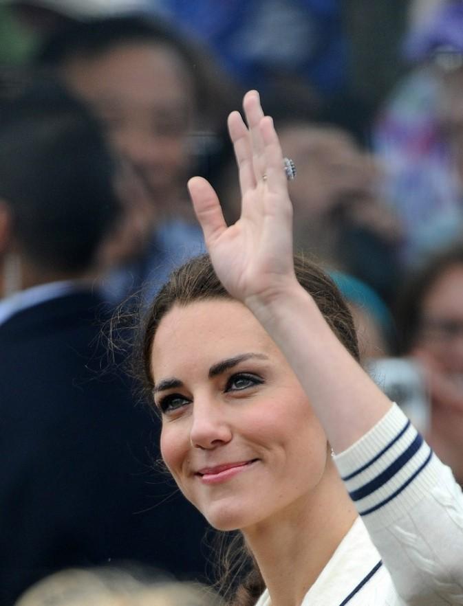 La plus jolie brunette d'Angleterre ?