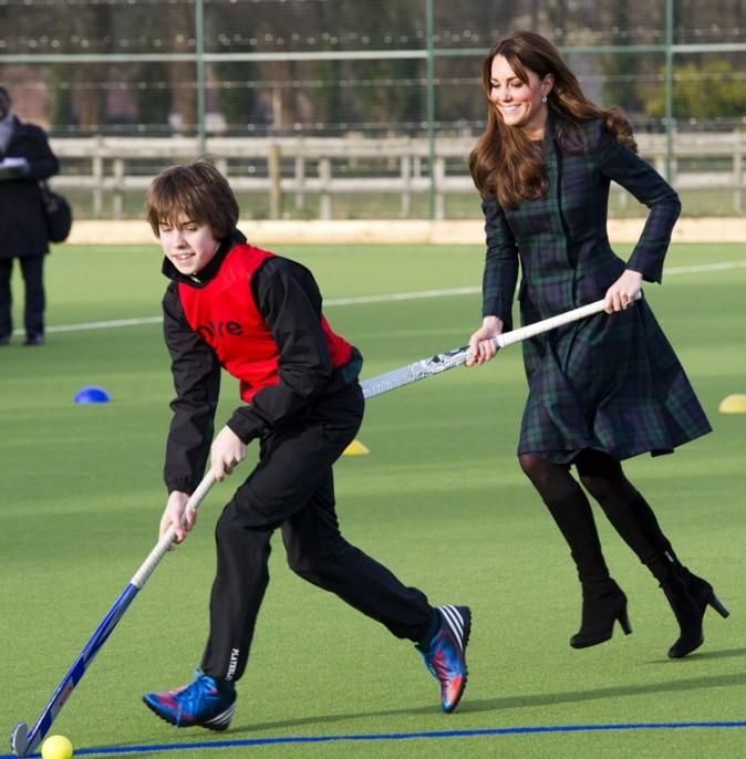 Kate Middleton en visite dans une école de Cambridge le 30 novembre 2012