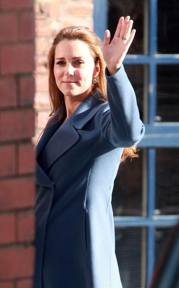 Kate Middleton en visite à Stoke-On-Trent le 18 février 2015