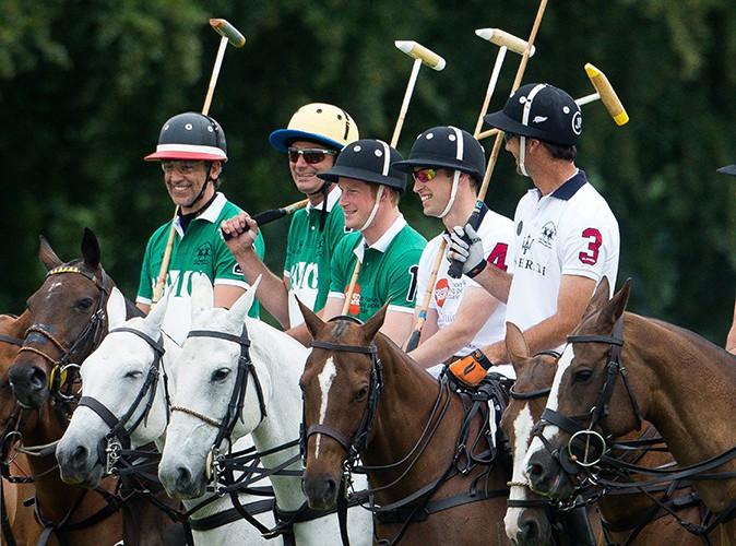 Les Princes William et Harry à Cirencester le 15 juin 2014