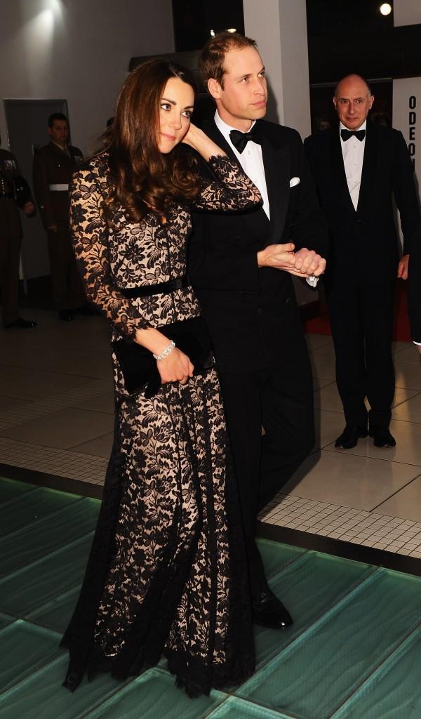 """Kate Middleton et le prince William lors de la première londonienne du film """"War Horse"""", le 8 janvier 2012."""