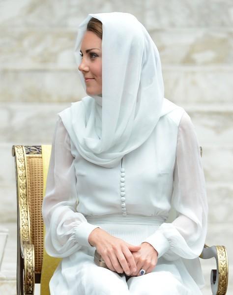 Kate Middleton en visite à la grande Mosquée de Kuala Lumpur, le 14 septembre 2012.