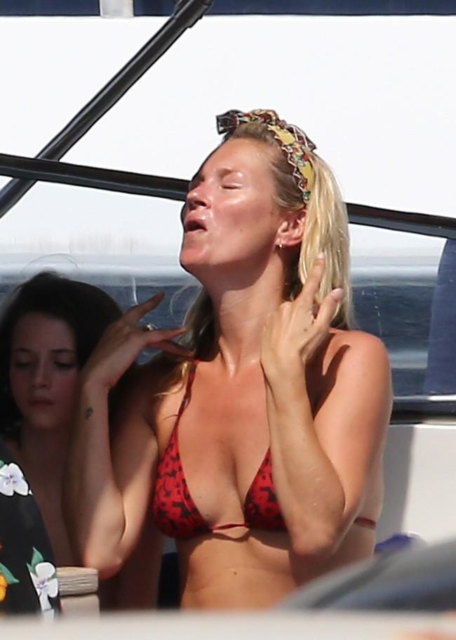 Kate Moss le 20 août 2012 à Saint Tropez