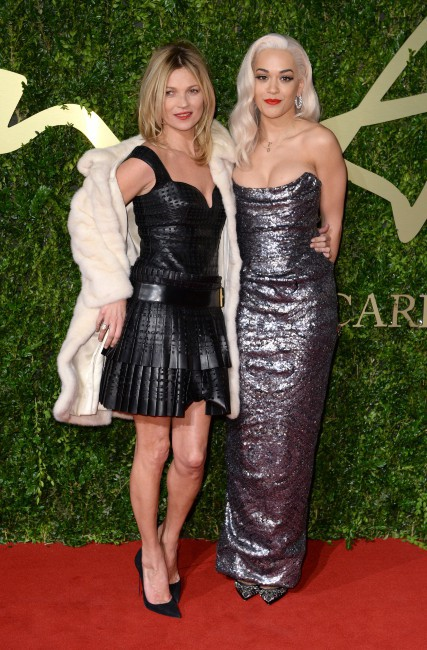 Kate Moss et Rita Ora lors de la soirée The British Fashion Awards à Londres, le 2 décembre 2013.