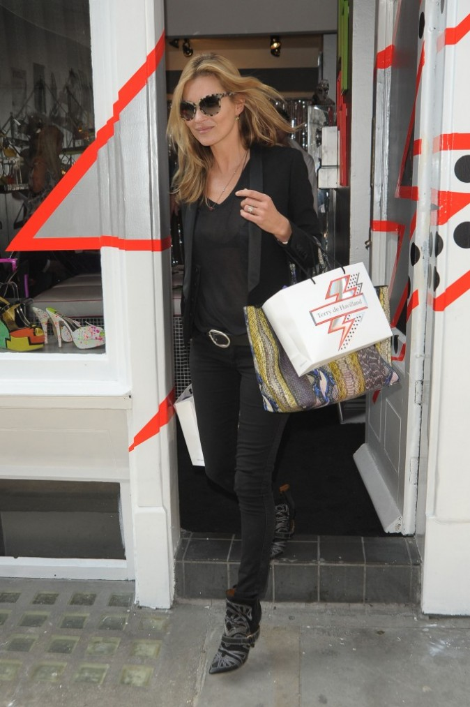Kate Moss fait les boutiques