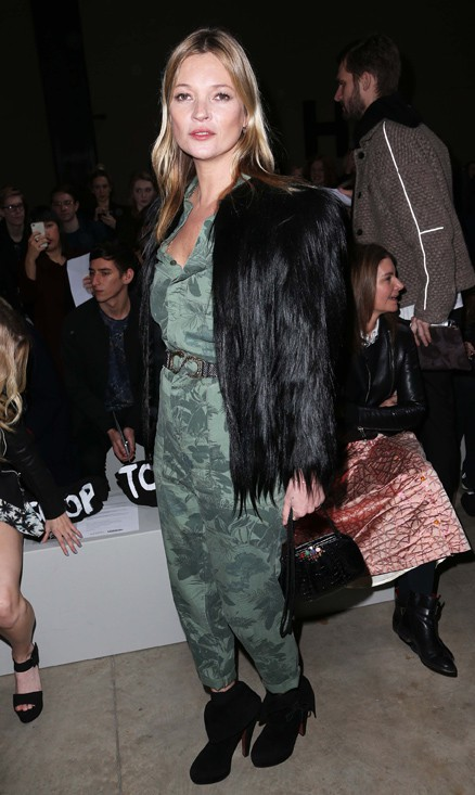 Kate Moss au défilé Topshop Unique organisé à Londres le 16 février 2014