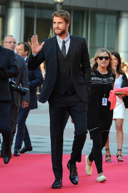 Photos : Kate Winslet joue les cougars avec Liam Hemsworth !
