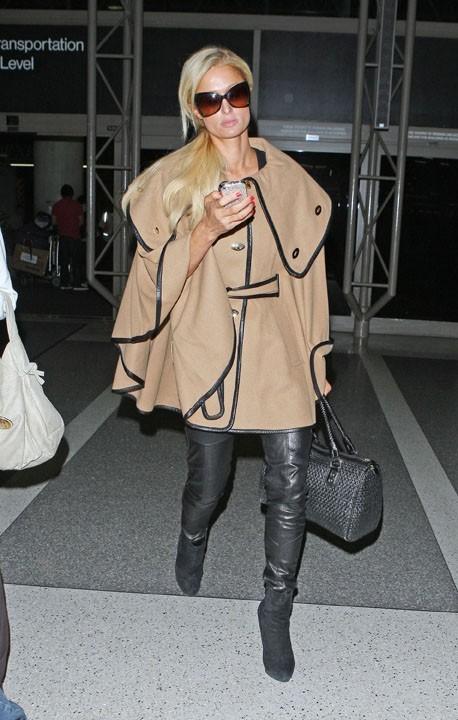 Pour une fois, Paris Hilton fait dans la sobriété !