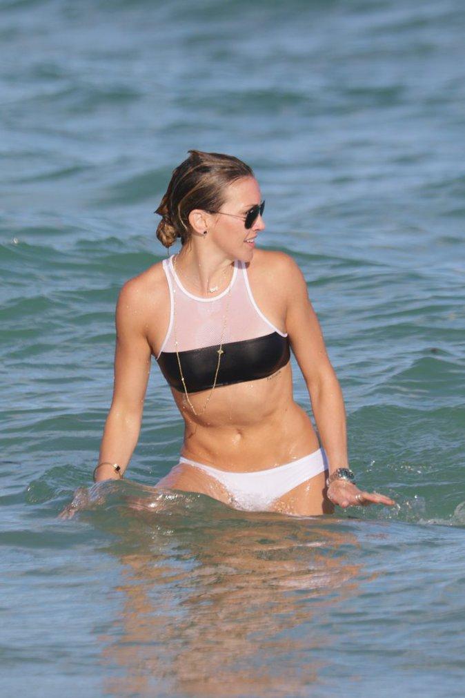 Katie Cassidy est en vacances avec son amie Emily Bett Rickards
