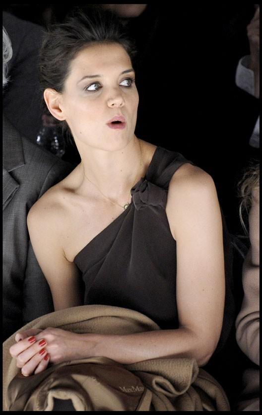 Katie Holmes au défilé Max Mara à Milan, le 24 février 2011.