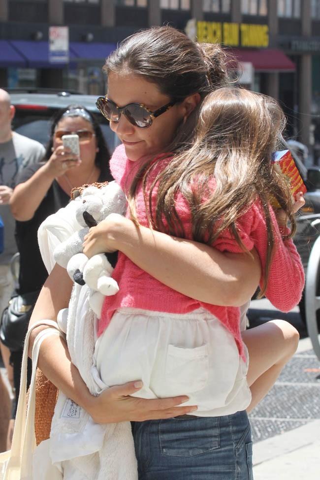 Katie Holmes et sa fille Suri Cruise le 8 juillet 2012 à New York