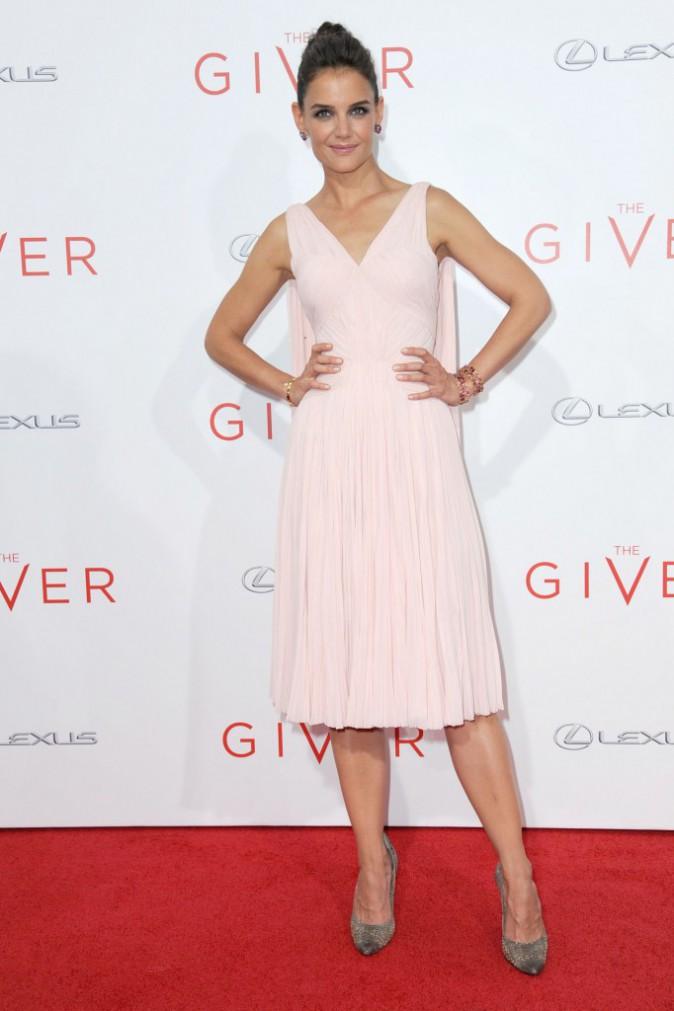 Katie Holmes : splendide pour la première du film The Giver !