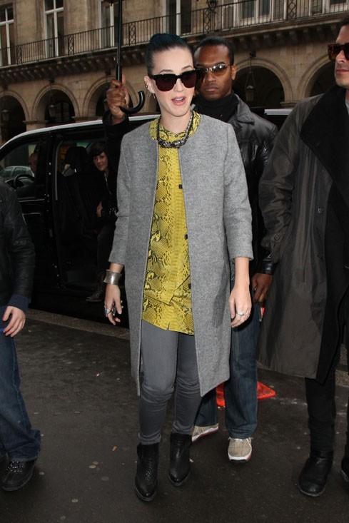 Les lunettes de soleil se portent par tous les temps avec Katy !