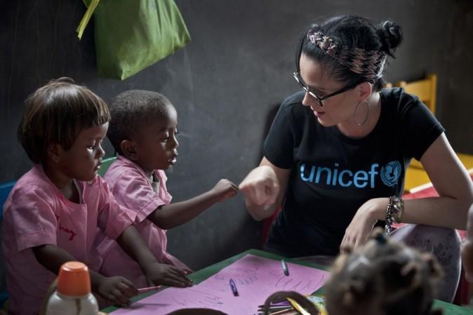 Katy Perry en visite à Madagascar du 4 au 6 avril 2013 avec l'UNICEF
