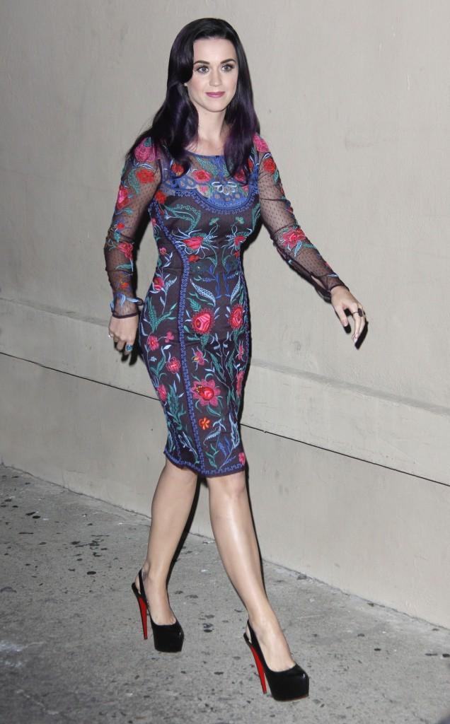 Katy Perry devant le El Capitan Theatre à Los Angeles, le 25 juin 2012.