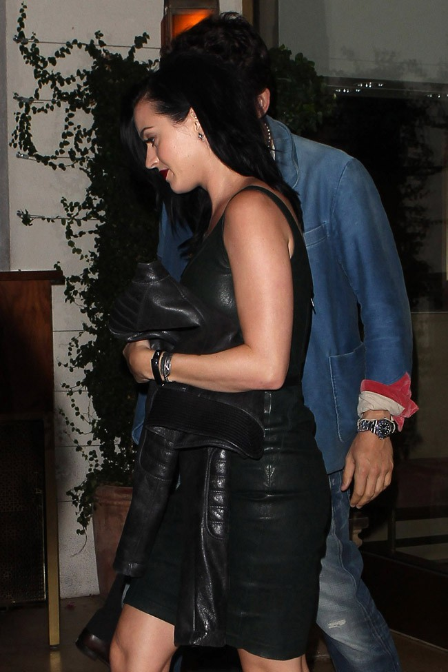 Katy Perry et John Mayer à la sortie du restaurant The Tower Bar & Terrace à Hollywood le 23 juillet 2013