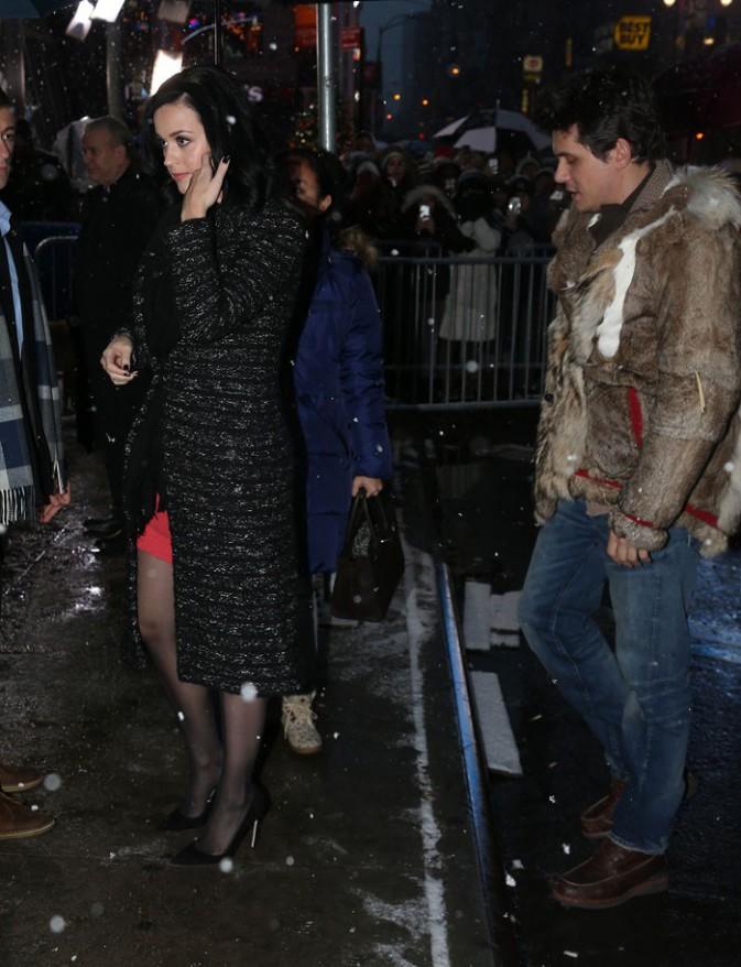 Katy Perry et John Mayer à leur arrivée aux studios de Good Morning America, à New-York, le 17 décembre 2013