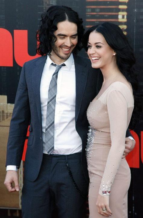 Russell Brand et Katy Perry tout sourire...pourvu que ça dure !