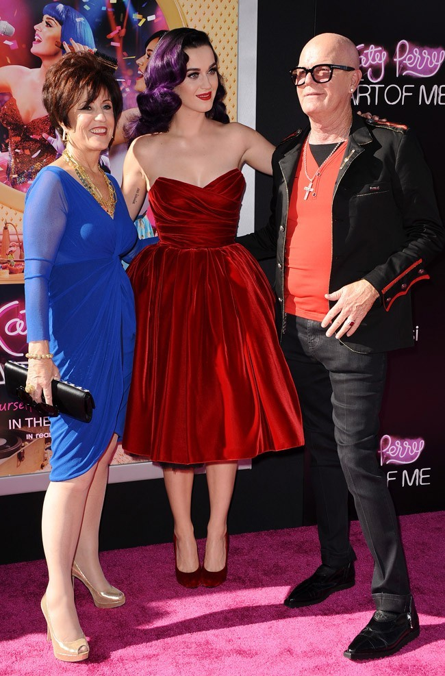 Katy Perry et ses parents le 26 juin 2012 à Los Angeles