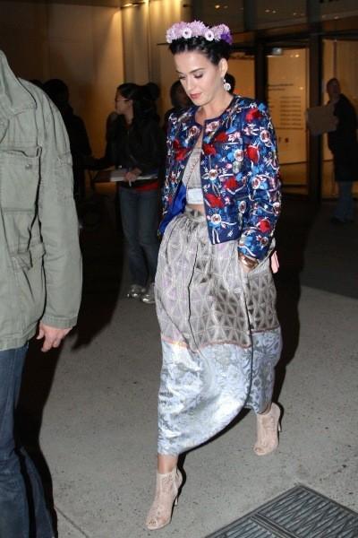 http://www.public.fr/News/Photos/Photos-Katy-Perry-Super-Coquette-a-encore-frappe-400407