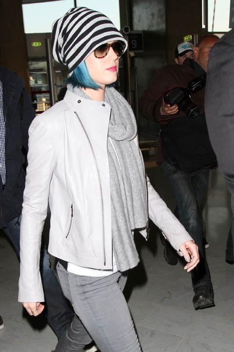 Katy Perry à l'aéroport Charles de Gaulle