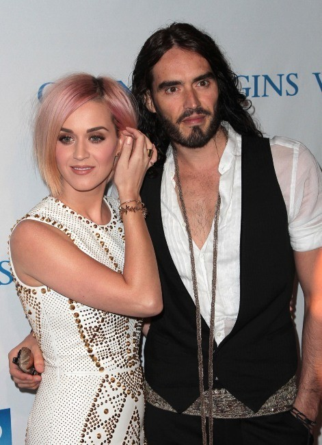 Katy Perry et Russell Brand lors du 3e gala annuel Change Begins Within Benefit à Los Angeles, le 3 décembre 2011.