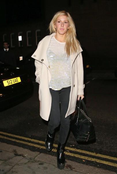 Ellie Goulding à la sortie du Restaurant 34 à Londres, le 9 décembre 2013.