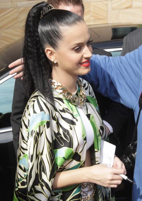 Katy Perry et ses fans à Sydney, le 28 octobre 2013.