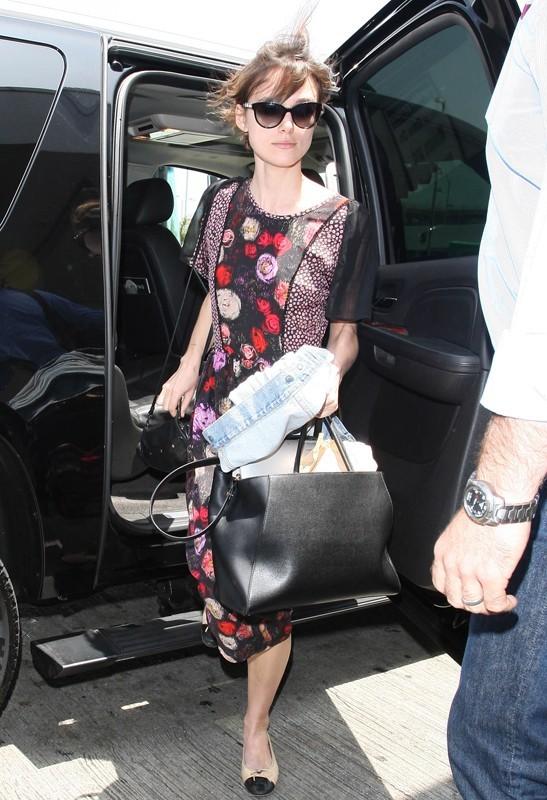 Keira Knightley arrive à LAX