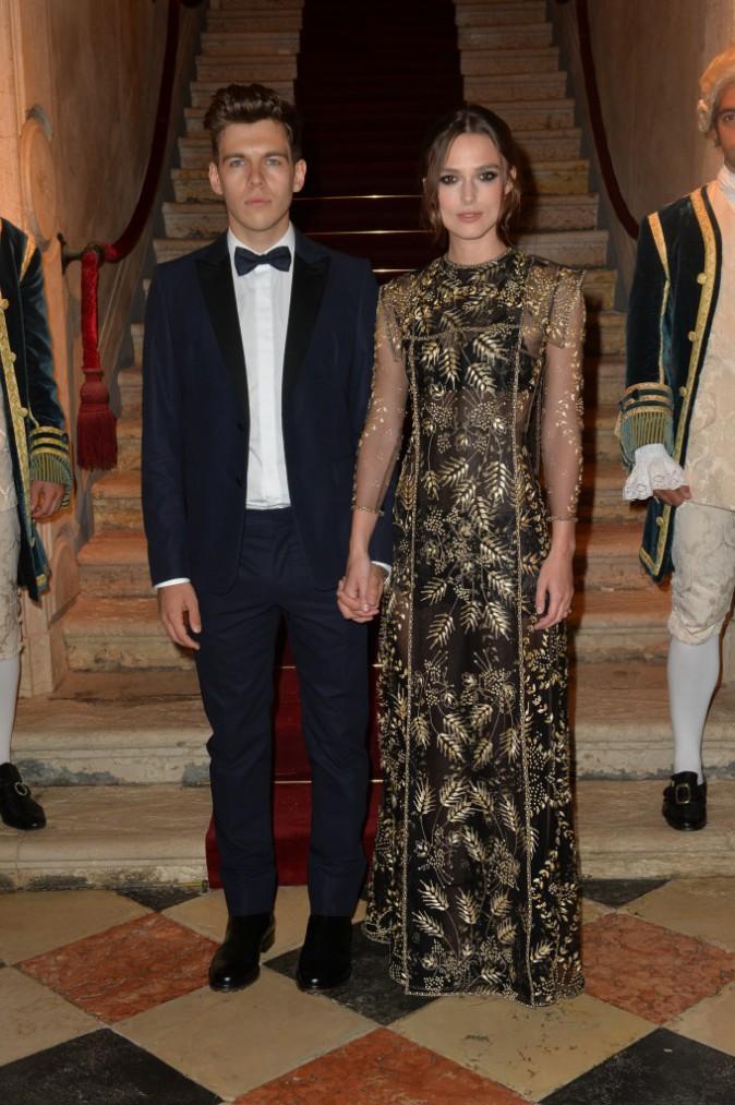 Keira Knightley et son mari James Rightone lors du Bal de Valentino à Venise, le 4 septembre 2013.