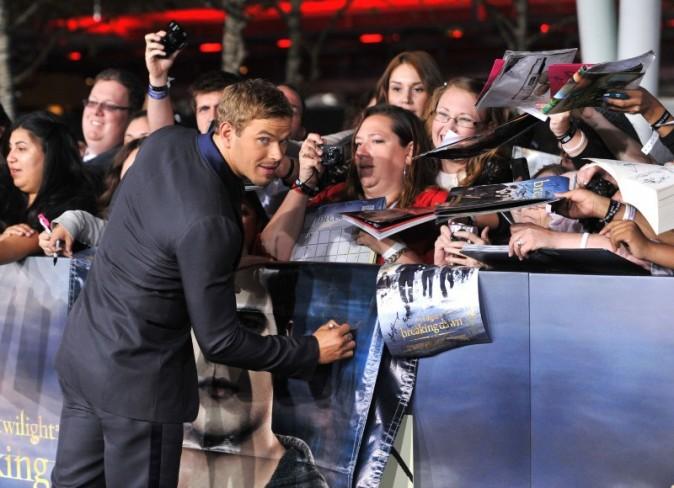 """Kellan Lutz lors de la première du dernier volet de la saga """"Twilight"""" à Los Angeles, le 12 novembre 2012."""