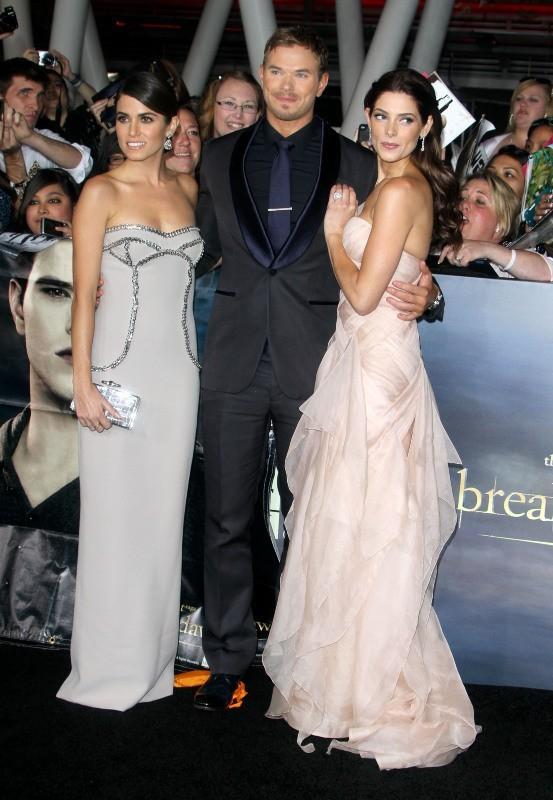 """Nikki Reed, Kellan Lutz et Ashley Greene lors de la première du dernier volet de la saga """"Twilight"""" à Los Angeles, le 12 novembre 2012."""