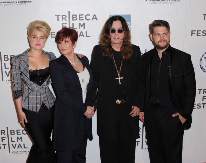 Kelly, Sharon, Ozzy et Jack Osbourne.