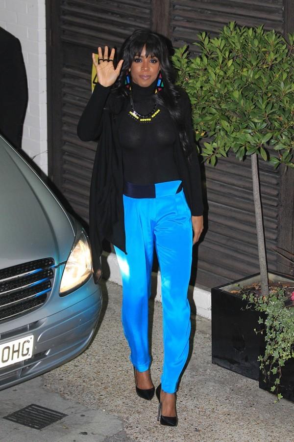 Kelly Rowland à la sortie des studios d'X-Factor hier soir !