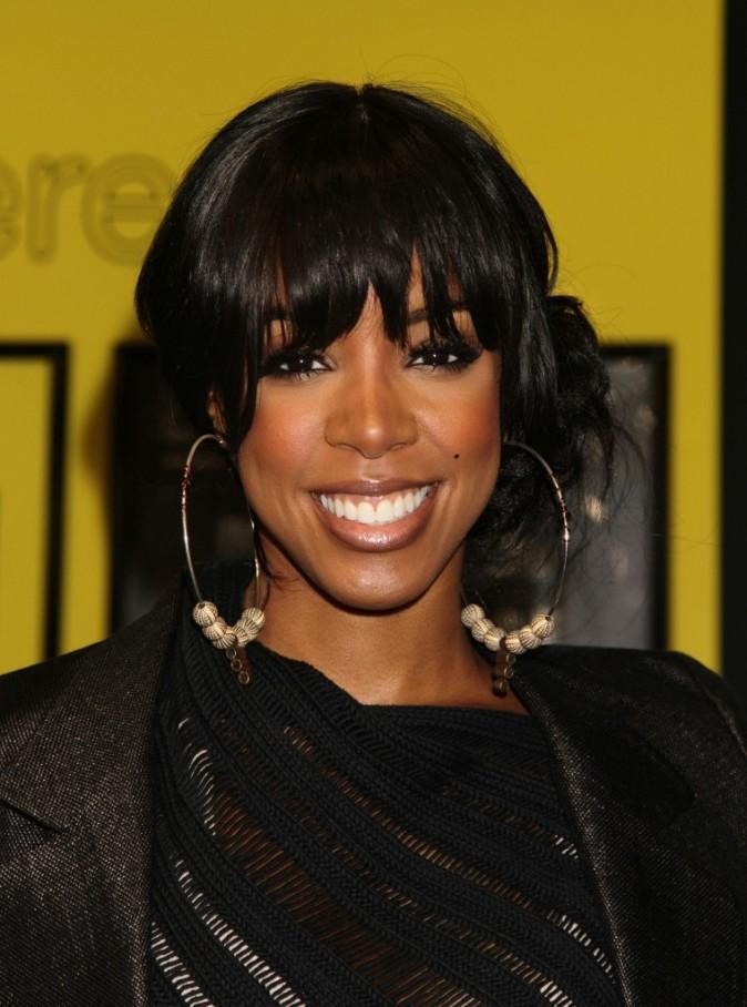 Kelly Rowland arbore ici un grain de beauté sur la joue gauche...