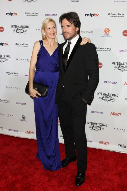 Kelly Rutherford et Matthew Settle lors de la soirée 40th International Emmy Awards à New York, le 19 novembre 2012.
