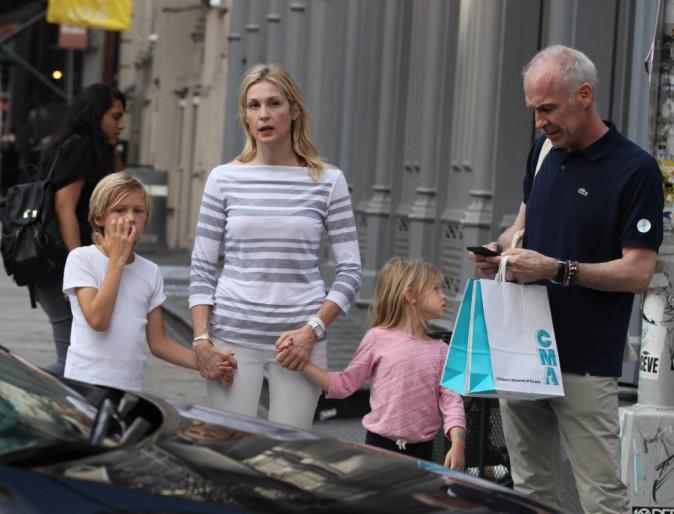 """Photos : Kelly Rutherford ruinée : """"Je ne peux plus aller voir mes enfants !"""""""