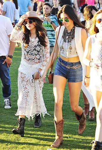 Selena Gomez et Kendall Jenner à Indio le 11 avril 2014