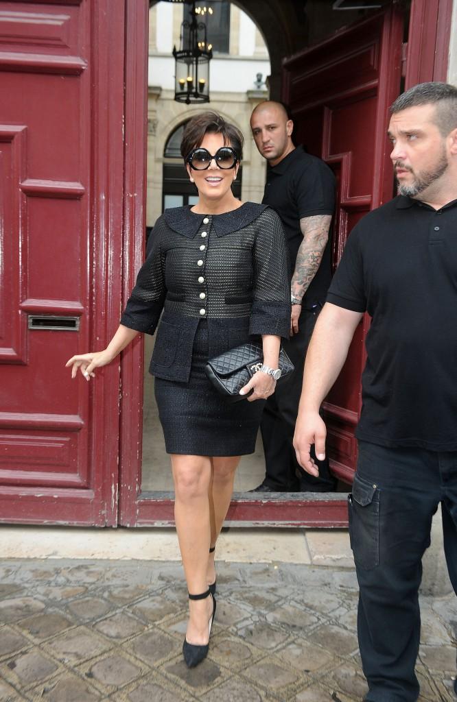 Kris Jenner à la sortie de l'appartement parisien de sa fille Kim Kardashian, le 20 mai 2014.