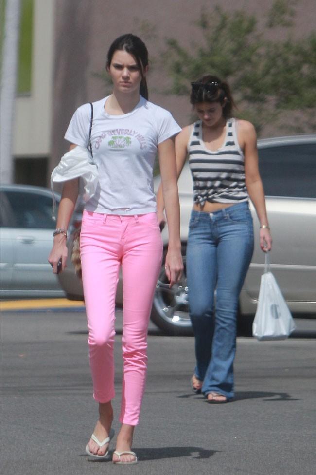 Kendall et Kylie Jenner le 21 septembre 2012 à Los Angeles