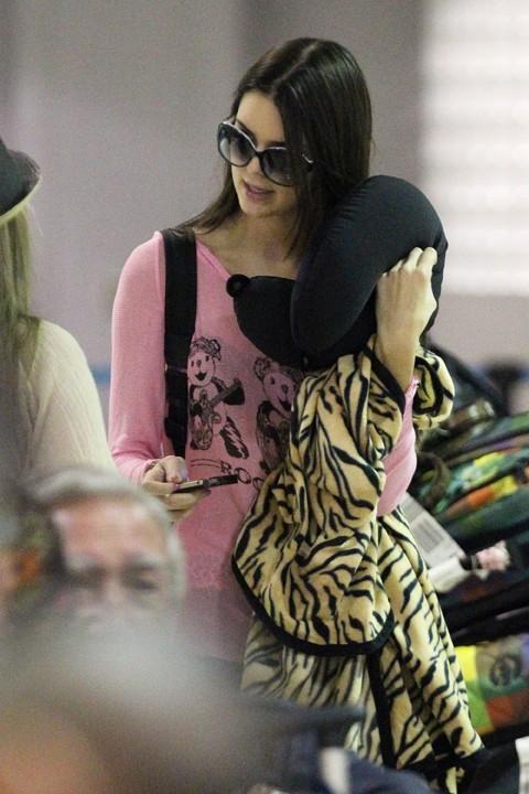 Kendall Jenner à l'aéroport d'Honolulu le 28 août 2012