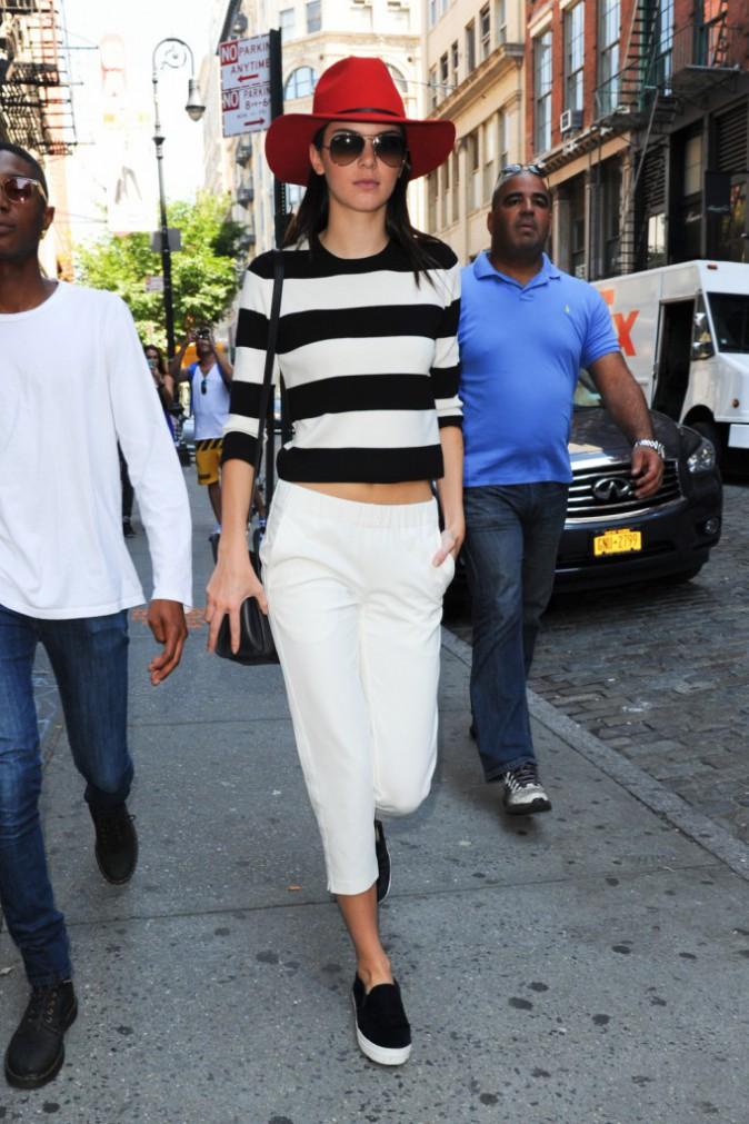 Kendall lookée même pour sortir en promenade